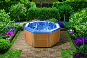 China Balboa hot tubs and spa with 7 seats for family happy hour 1807 on sale