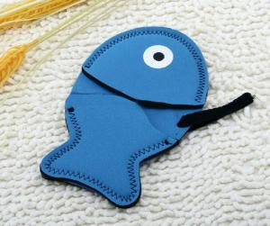 China Blue Insulated Cute Kitchen Oven Mitts Grips With Fish Shaped Design on sale