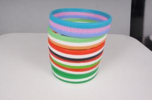 China 3 color segmented country flags silicone bracelet silicone wristband with factory price on sale