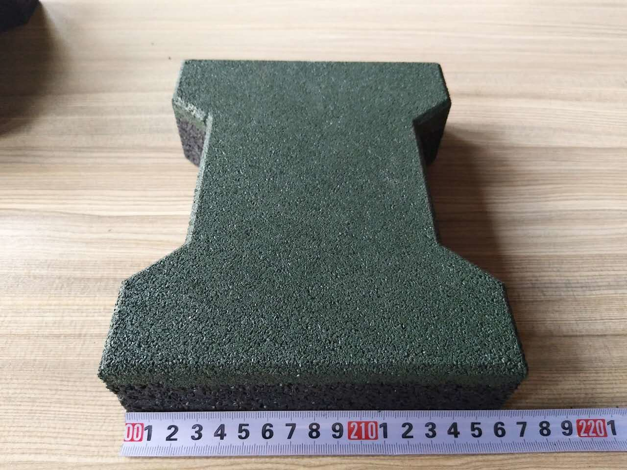 Colorful Wear Resistant Dog Bone Outdoor Rubber Floor Tiles For Path