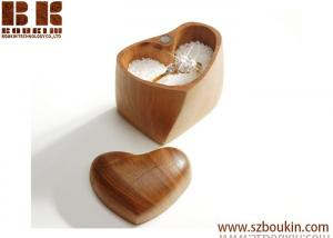 China Handmade Carved Elegan Heart t Wood Box for ring on sale