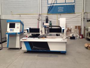 China Metal sheet processing fiber CNC Laser Cutting Equipment 800W with dual drive on sale