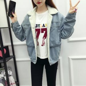 China Customized Size Light Blue Womens Jean Jackets , Winter Warm Lining Collar Denim Jacket on sale