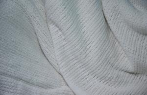 China Thurmal Cellular Cotton Woven Blanket White For Hospital , Hotel on sale