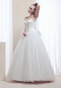 China Sweetheart pearl beading floor length wedding dress with big bow on the back on sale