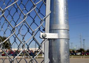 China china supplier barbed wire chain link fence, stainless steel chain link fence on sale