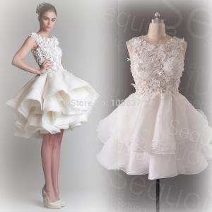 China Organza Petite Women Wedding Dresses , Lace Applique Bridal Ball Gowns on sale