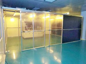 China Class 100 Hard Wall Modular Clean Room Equipment For Laboratory , Long Use Time on sale