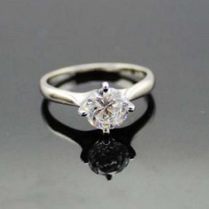 China 925 Sterling Silver Engagement Ring with CZ Diamonds (F31) on sale