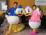 China custom made plush daisy disney cartoon costumes for adults wholesale
