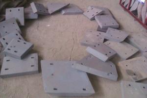 China Dureté en aluminium blanche industrielle de bâtis de fer/de moulages au sable revêtements de descendeur plus que HRC58 on sale
