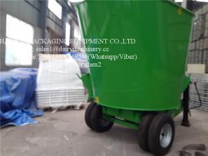 Green Vertical TMR Mixers For Feeding Animal , Cow Cattle Feeding