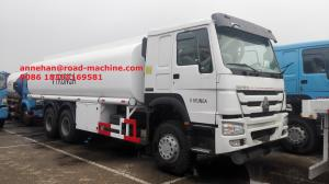 China LHD 336HP Radial Tyre Liquid Tanker Truck Fuel Oil Transportation Lengthened Cab on sale