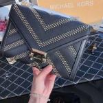 MICHAEL KORS 2019 Early Spring New Mk Rivets Material: original imported cowhide
