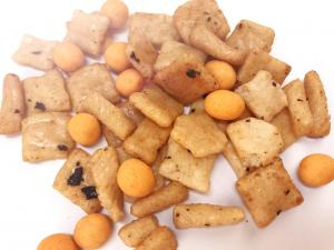 China OEM Rice Crackers Spicy Flavor Healthy Snack Mix Foods NON-GMO Free From Frying on sale