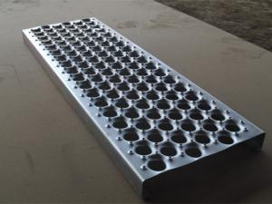 China Anti Skid Aluminum Perf O Grip Safe Metal Safety Grating Walkway Floor on sale
