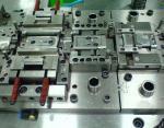 材料SECCを押す精密電子部品のための注文の薄板金の押すダイス