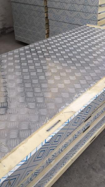 anti-slip aluminum plated 75mm thickness pu sandwich panel