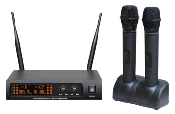 670 wireless microphone system UHF PRO dual channel headset lavalier LCD blacklight