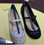 新式のpuのuperの赤ん坊靴