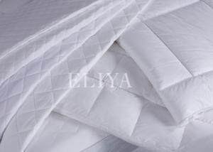 China Diamond Quilted Dasign Hotel Mattress Cover / Matter Topper With Healthy Filling on sale