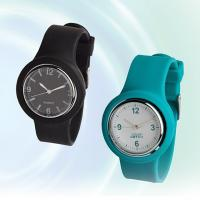 China multi-color high quality strap width 2.2cm silicone charm slap watch on sale