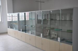 China Educational Chemistry Laboratory Equipment For Prepare , Instrument ,Drug , Specimen Room on sale