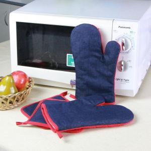 China Denim Fabric Kitchen Oven Mitts / Heat Resistant Kitchen Gloves For House Use on sale