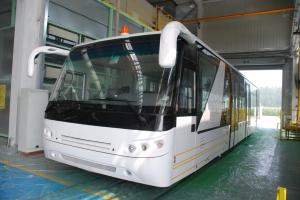 China Aluminium Body 24 Seat Airport Shuttle Buses , 4 Stroke Diesel Engine Bus on sale