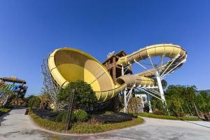 Quality Adult Fiberglass Water Slides 16m Height 4 Persons / Time 42*60m Floor Space for Water Park for sale
