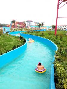 China Red , Yellow , Blue Crazy Sea Water World Biggest Amusement Park Project wholesale