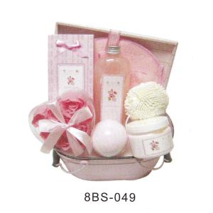 China Pure Herbal Baby Bath Gift Sets Pvc Box With Flower Soap #8BS-049 on sale