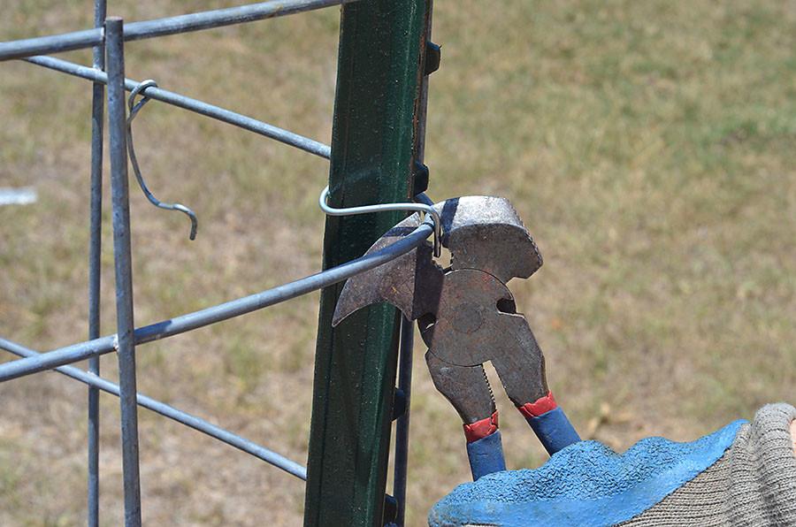 Fencing plier multi purpose wire tools build