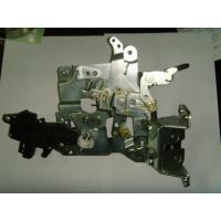 Yellow Left Car Door Lock Mechanism For Mercedes Benz Sprinter OEM 9017200716