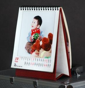 China factory wholesale custom high quality paper year calendar, kids pictures calendar, glossy paper calendar on sale