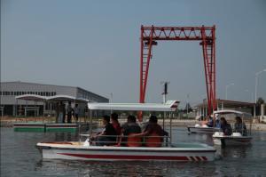 China Barco eléctrico puro recargable de 6 Seat para la pesca del río, 24 V 10 kilómetros por hora on sale