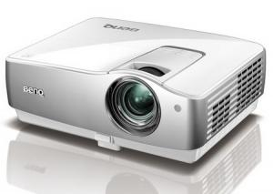China DLP projector Contrast Ratio 3000:1 and 2800 ANSI Lumens projector aok-526 projector on sale