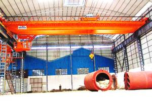China High Pressure Double Crank Electric Double Girder Overhead Crane With Remote Control on sale