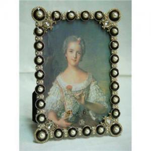 China Pearl studded photo frame on sale