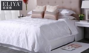 China Specification Hotel Quality Luxury Bedding Sets Hands Or Machine Wash on sale