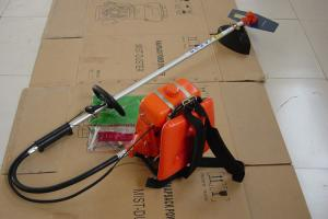 China Lightweight Petrol Strimmer With Metal Blade , Long Reach Petrol Hedge Trimmer on sale