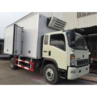 China FRP Insulation Panels Refrigerator Box Truck 4x2 Driving , Sinotruk Howo Truck on sale