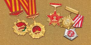 China Die cast medals, souvenir coins, badges, alloy tray, key chains... on sale