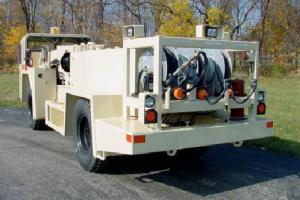 China 3000l RS - 3flt Underground Utility Vehicle Air Cooled Fuel And Lube Truck on sale