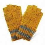 Los guantes de las mujeres, hechos de las lanas del 80% y del nilón del 20%, disponible en diversos colores