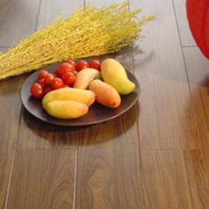 China HDF Laminate Flooring Walnut on sale