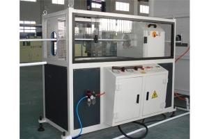 China Manguera del moldeo por insuflación de aire comprimido del estiramiento que hace resistencia a la corrosión de la máquina on sale