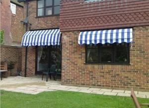 China aluminium window awning components / outdoor canopy awning / European stype aluminium retractable window awning on sale
