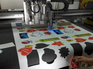 China printing forex sticker paper portrait auto feed cutting machine .mp4 on sale