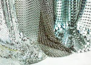 China Shape Customized Shiny Metallic Fabric , Versatility Metal Mesh Cloth Smooth Surface on sale